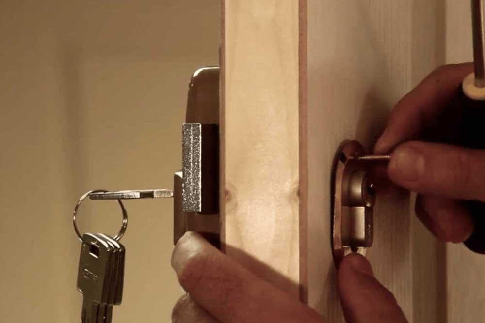 3 Ways To Avoid A Locksmith Scam