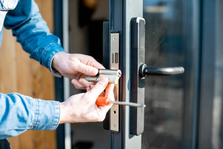 How To Find The Proper Commercial Locksmiths